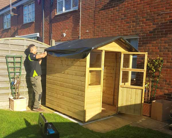 Shed & Playhouse assembly - Assembling a wooden play house